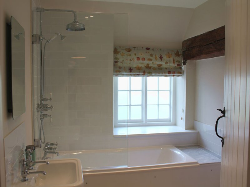 .....also with en suite bathroom