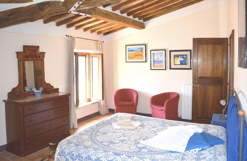 Happy House Tuscany, typical Tuscan style apt., vacation rental in Casciano