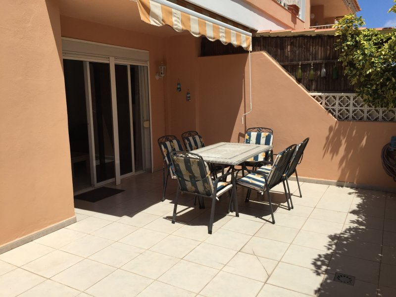 LARGE Sun Kissed Terrace with dining table & six chairs