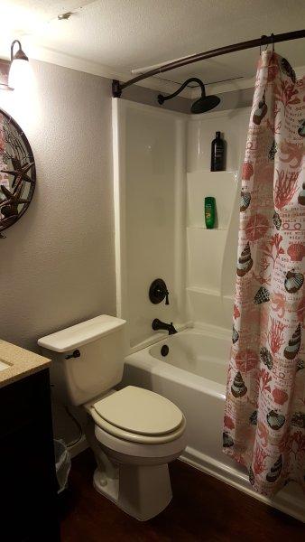 Full tub/shower