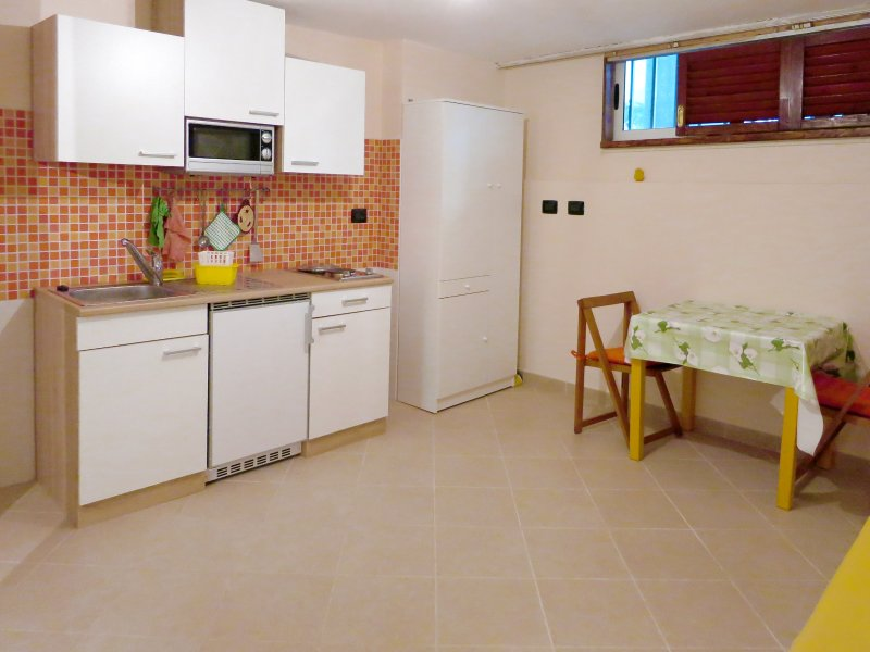 Monolocale in pineta a 50 m dal mare, holiday rental in Marina di Grosseto