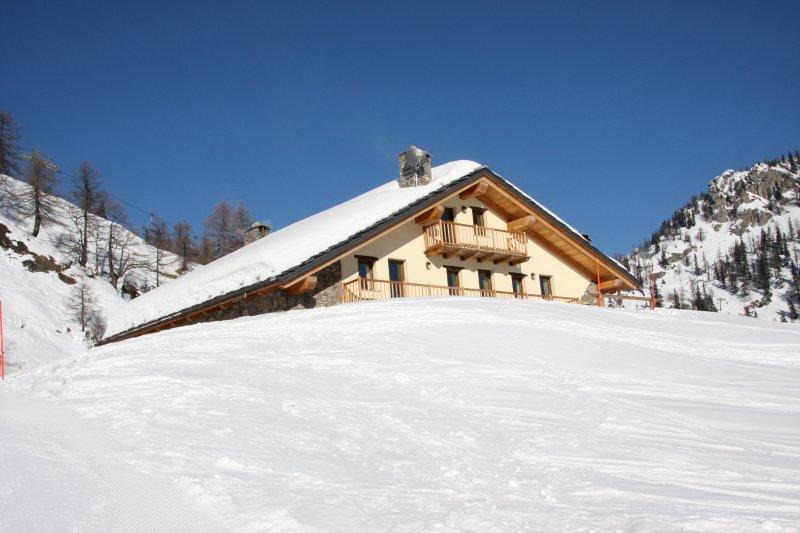 Chalet Pra Neyron Courmayeur Mont Blanc Attic, location de vacances à Courmayeur