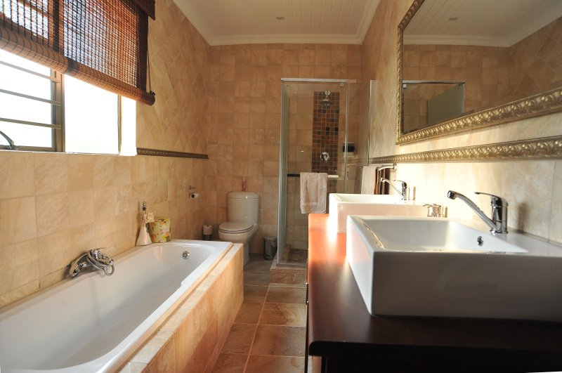Sunset Manor Guest House, holiday rental in North-West Province