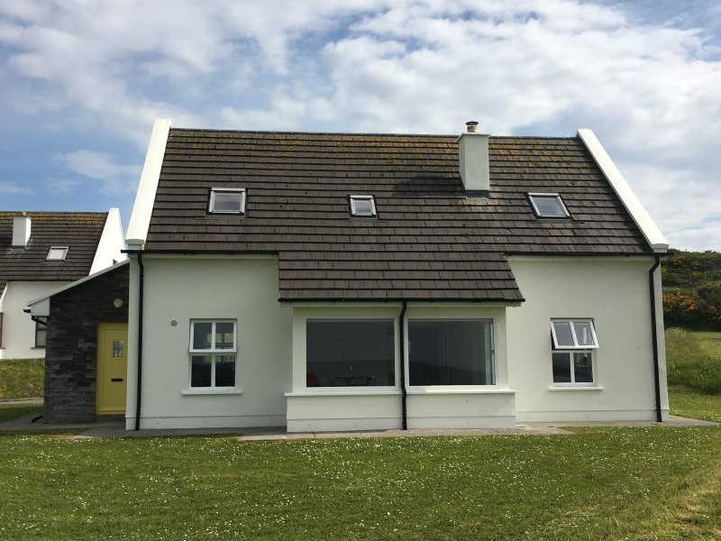 The Yellow Door, Doolin, holiday rental in Lahinch
