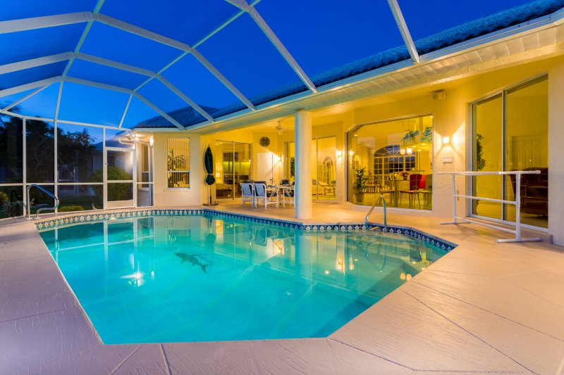 Spacious pool area