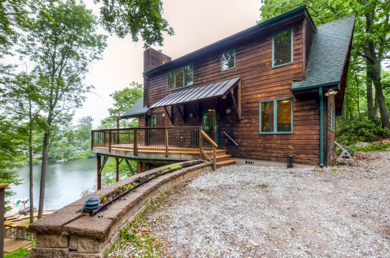 Waterfront Highland Lakes Home W Deck Private Dock Updated