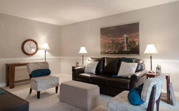 Downtown Bellevue Condo, holiday rental in Bellevue
