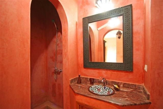 Salle de Bain Chambre Hama-Brek Lavabo Douche WC