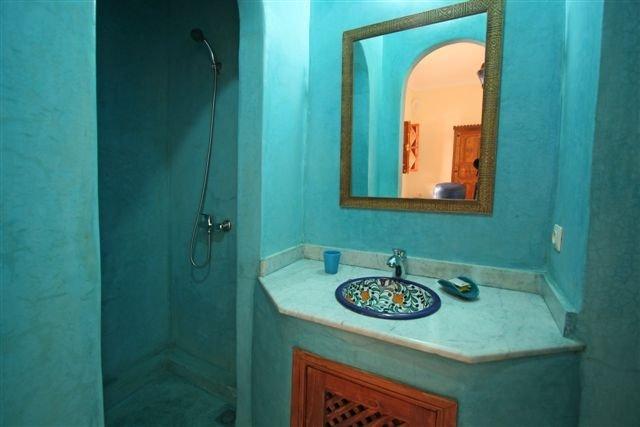 Salle de Bain Chambre Chaäma Lavabo Douche WC