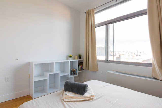2 BD, comfortable bed and nice view