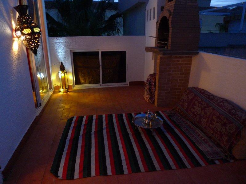 Junto al mar ,dentro de un jardin, holiday rental in Santa Pola