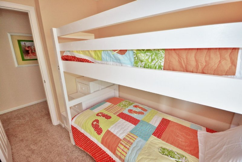Twin Bunk Bedroom
