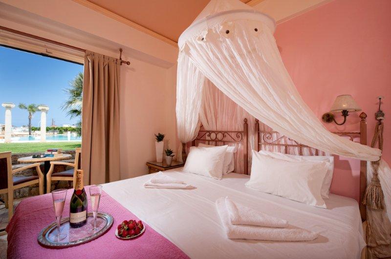 Two Bedroom Apartment Socrates Hotel Malia Beach, Ferienwohnung in Plati