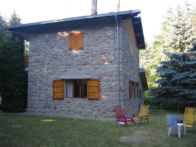 Villa contornata da ampio giardino, vacation rental in Province of Modena