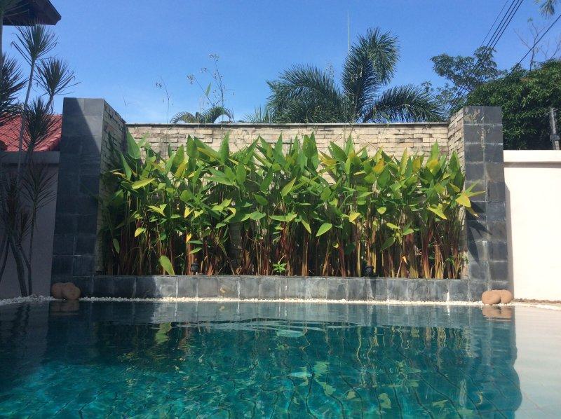 Foliage pool feature