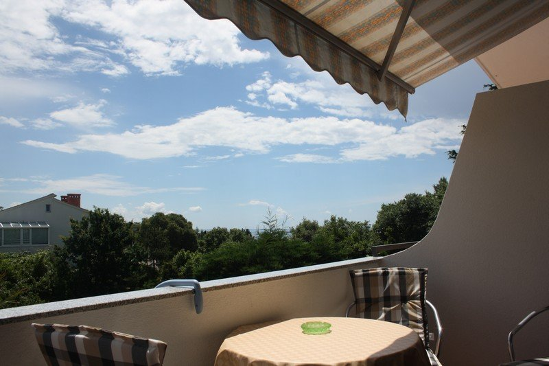Apartment Joka Nr. 1 with a partial Sea view, vacation rental in Krk