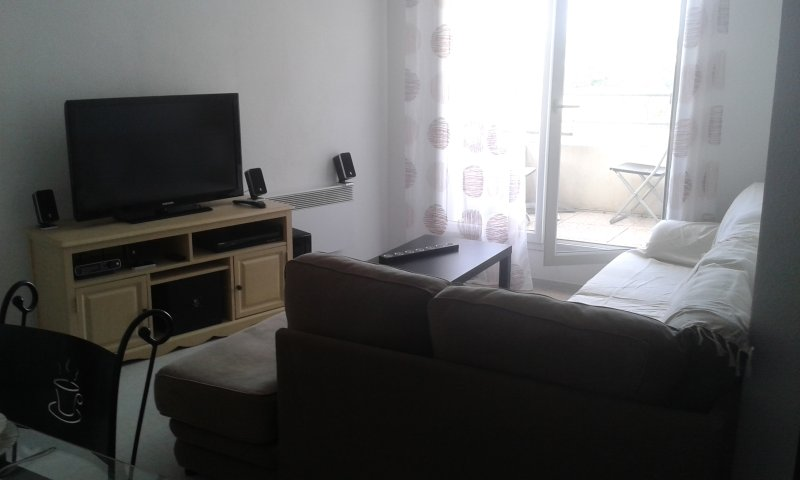 Voici l appartement en espérant qu'il vous donne envie d y venir :-))