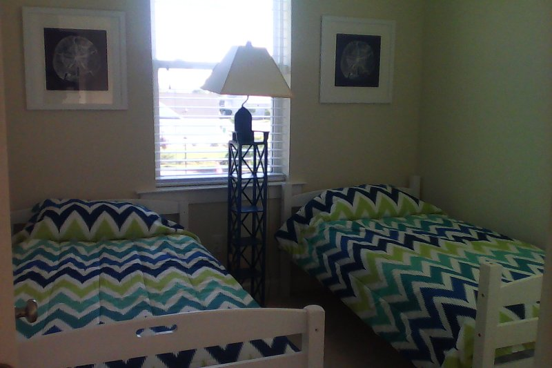 3rd Bedroom with 2 twin beds, Ocean City, MD