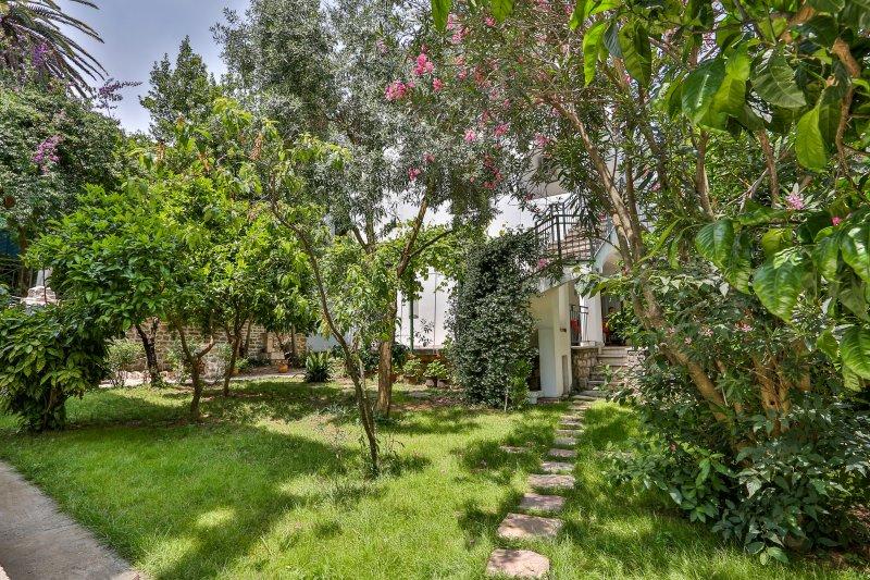 Apartment Rose near Old Town Budva, alquiler de vacaciones en Municipio de Budva