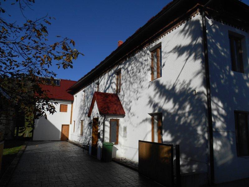 Beautiful Slovenian Farmhouse, holiday rental in Idrija