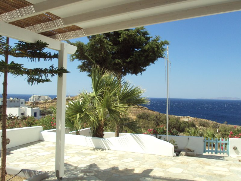 Aegean Dream Apartment One-Bedroom Apartment with, holiday rental in Tinos Town