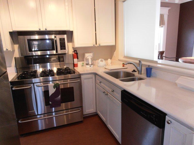 gourmet kitchen,all linens,dishes utensils, washer/dryer/dishwasher,coffee machine toaster