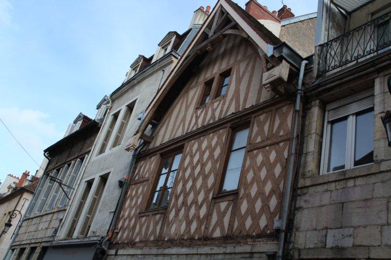 JOLI STUDIO HYPER CENTRE HISTORIQUE, holiday rental in Dijon
