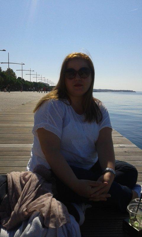 drinking coffee, enjoying sun & sea