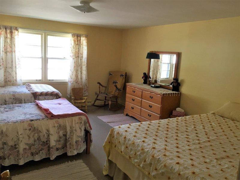 Queen bedroom and 2 twin beds.  Sleeps 4