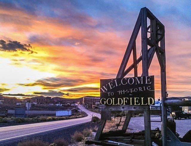 Goldfield, Nevada è stata fondata nel 1902 ed è stata la più grande città del Nevada nel 1907