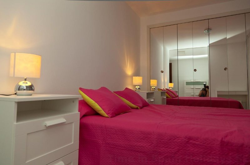 Master Bedroom with touch bedlights