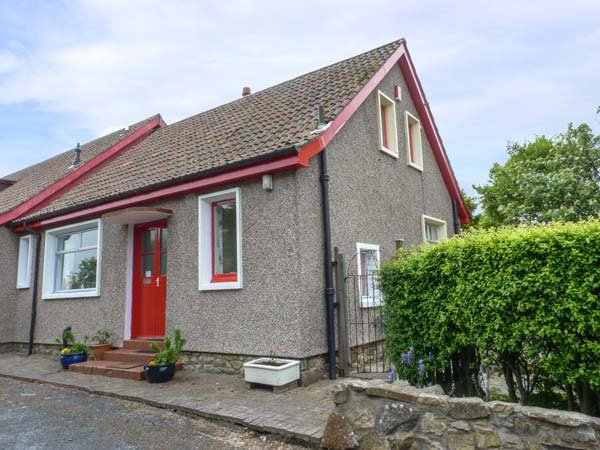 RENNYHILL FARM LODGE, semi-detached, all ground floor, parking, garden, in, Ferienwohnung in Anstruther