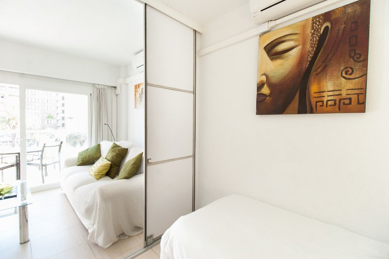 The Twin Bedroom { The Bedroom Has its own Sliding Doors For Complete Privacy }