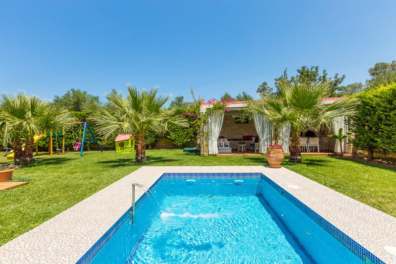 Dimitrios Villa a luxury retreat!, vacation rental in Panormos