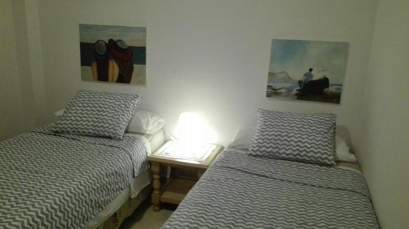 Troisième chambre avec 2 lits TERRASSE