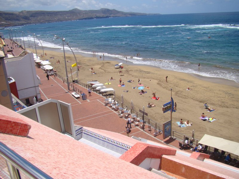 THE BEACH  LAS CANTERAS - TERRAZA ( vivienda vacacional ), vacation rental in Las Palmas de Gran Canaria