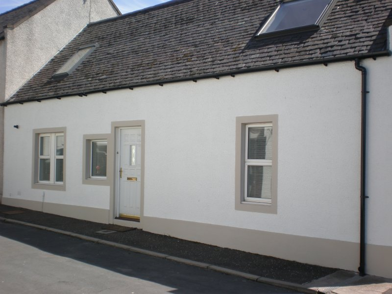 CASTLEVIEW COTTAGE, holiday rental in Monifieth