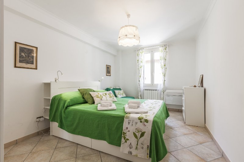 The Green Twin Bedroom