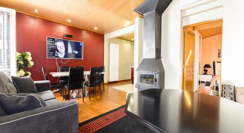 Appartement luxueux Champs Elysée, Paris