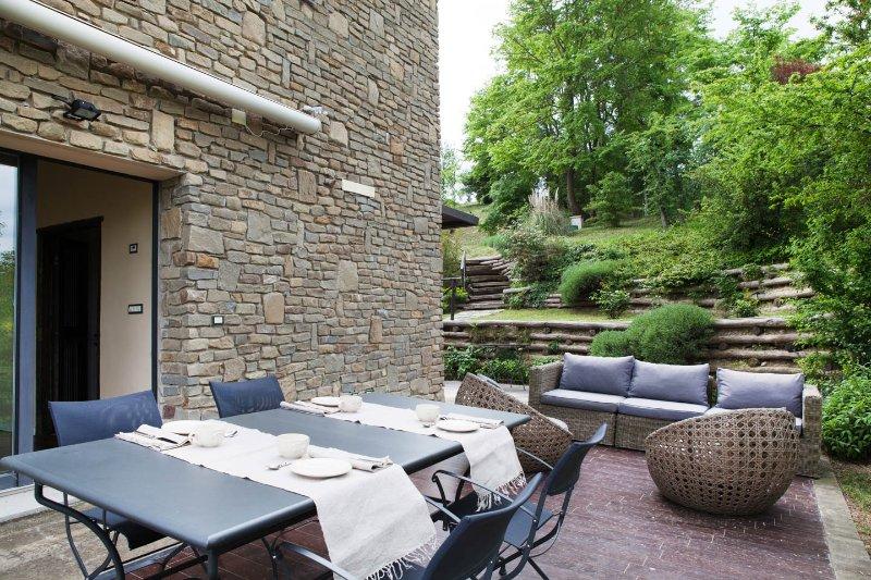 Villa panoramica relax e tranquillità sui colli di Bologna, Ferienwohnung in Bologna