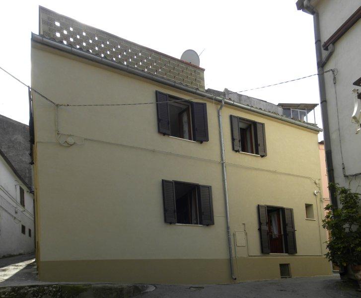 CASA PALMIRA - dove la nonna vuole bene a tutti, Ferienwohnung in Torino di Sangro