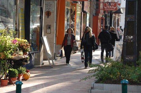 nostro angolo, zona d'elite con piccoli caffè, negozi a conduzione familiare