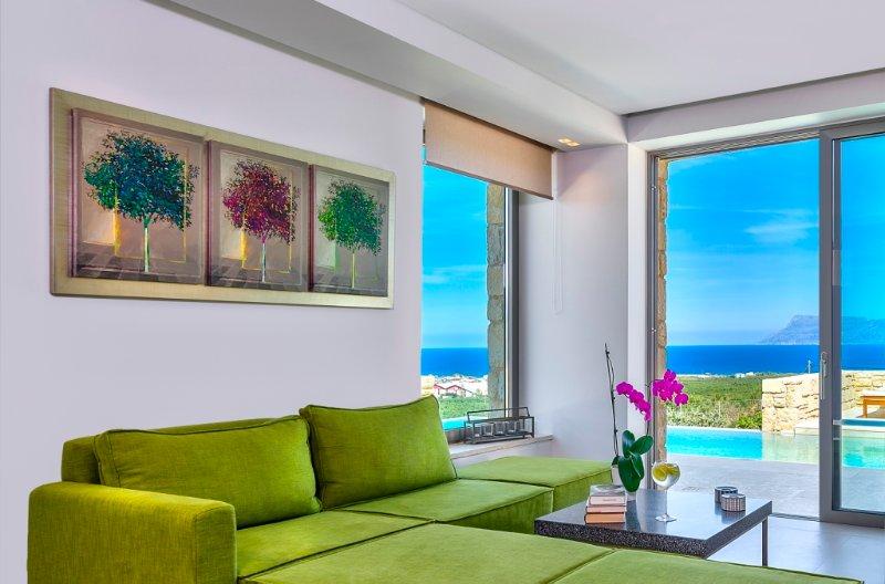 Youphoria sea view Villa Oneiro, holiday rental in Kaliviani