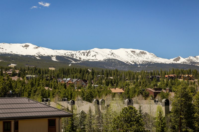Experience an unbeatable Breckenridge retreat from this vacation rental studio!