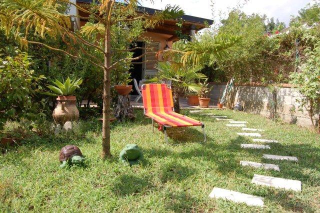 Villetta con giardino con vista sul mare, holiday rental in Patti