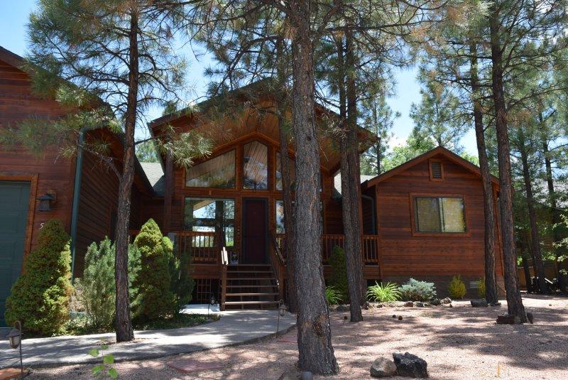 Gorgeous Cabin home in Lakeside, alquiler vacacional en Pinetop-Lakeside