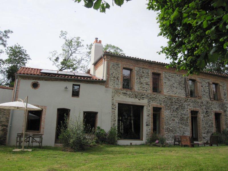 Charmant moulin écologiquement rénové proche Loire, vacation rental in Saint-Florent-le-Vieil