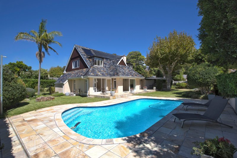 Villa Karibu, vacation rental in Tokai