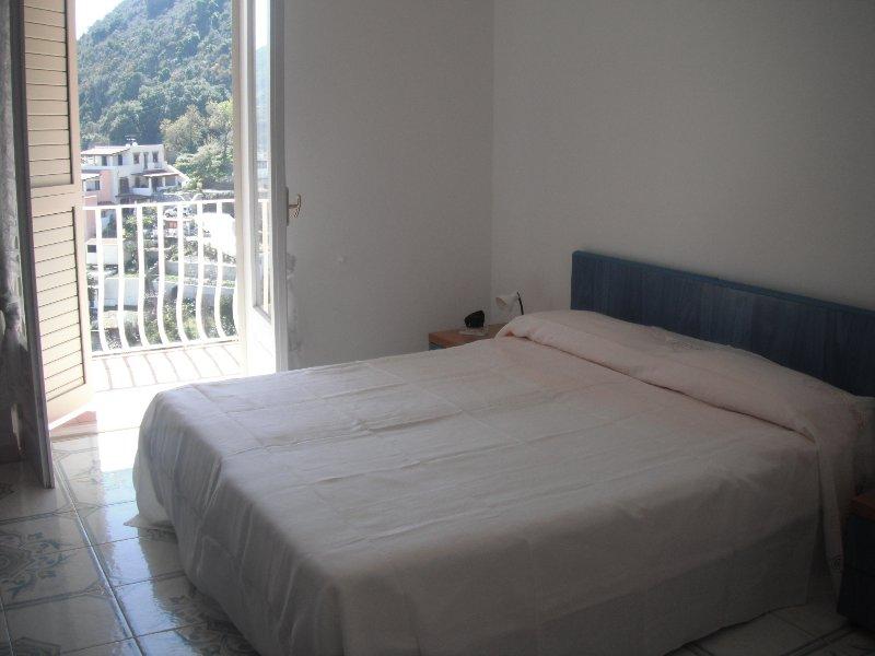 Casa Vacanze L'Eros Blu Appartamento per 2 persone, holiday rental in Canneto