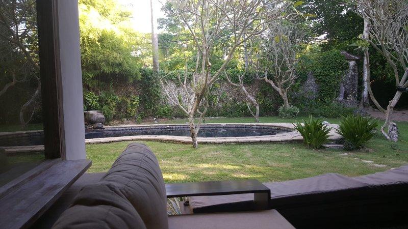 Resort Villa Living! Unwind & Relax, holiday rental in Serangan